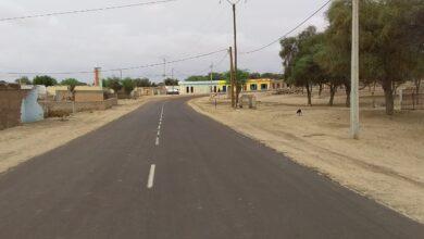 Photo of سقوط شاحنه عند منعرج  طريق في المذرذرة