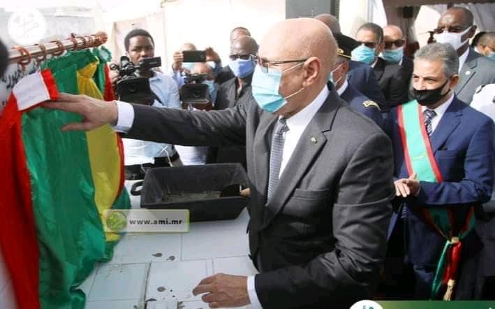 Photo of رئيس الجمهورية يضع الحجر الأساسي لبدأ بناء مقرات للمجالس الجهويه